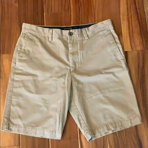 Banana Republic Men's khakis shorts size 32